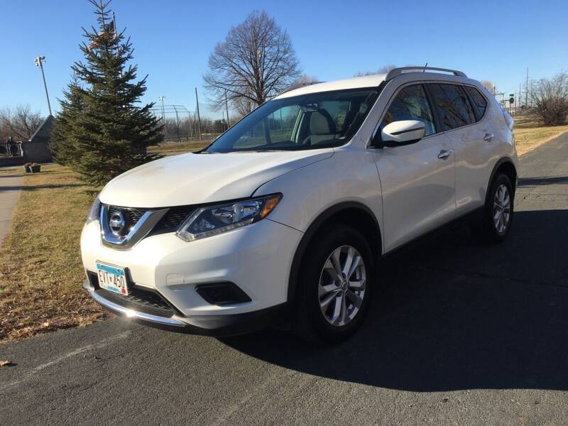 2016 Nissan Rogue for sale at ONG Auto in Farmington MN