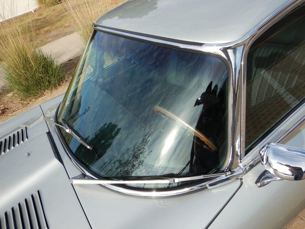 1973 Jaguar XKE 14