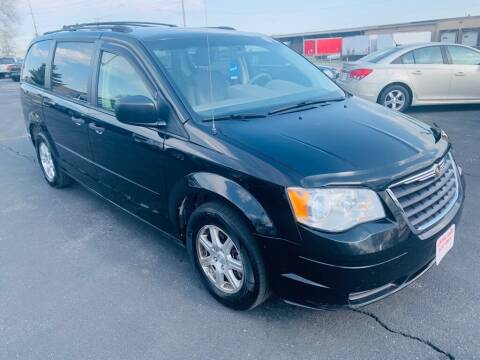 2008 Chrysler Town and Country for sale at Central Iowa Auto Sales in Des Moines IA
