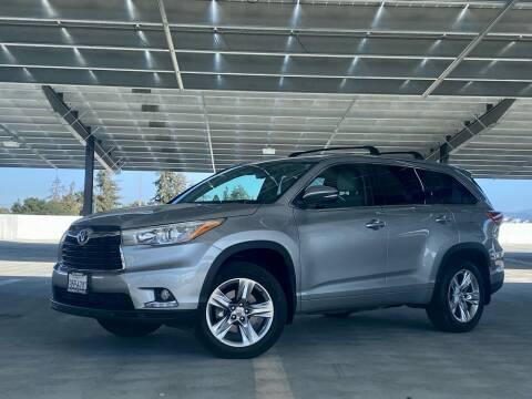 2015 Toyota Highlander for sale at Ronnie Motors LLC in San Jose CA