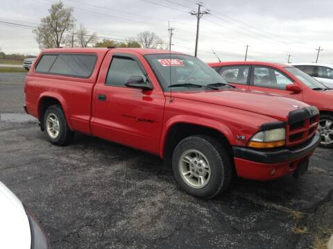 2000 Dodge Dakota for sale at Kevin's Motor Sales in Montpelier OH