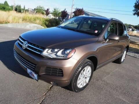 2014 Volkswagen Touareg for sale at Karmart in Burlington WA