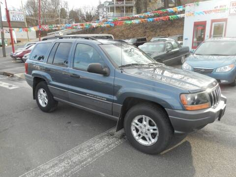 2002 Jeep Grand Cherokee for sale at Ricciardi Auto Sales in Waterbury CT