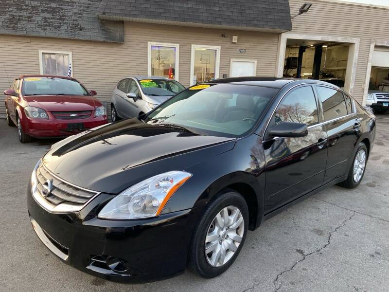 2010 Nissan Altima for sale at Global Auto Finance & Lease INC in Maywood IL