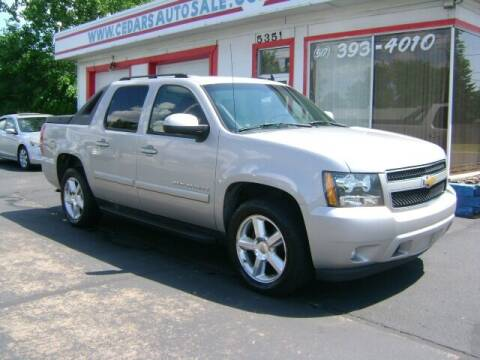2007 Chevrolet Avalanche for sale at Cedar Auto Sales in Lansing MI
