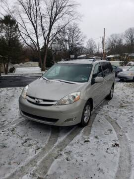 2006 Toyota Sienna for sale at Alpine Auto Sales in Carlisle PA