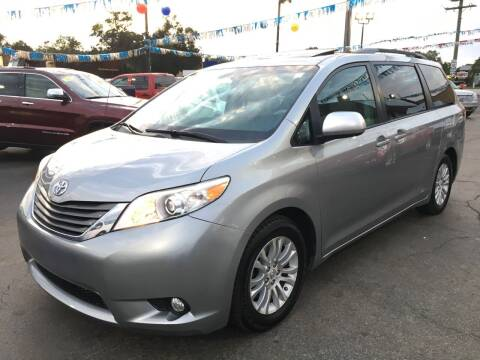 2011 Toyota Sienna for sale at EL SOL AUTO MART in Franklin Park IL