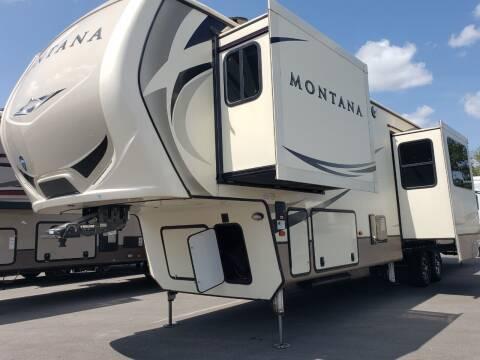 2019 Keystone Montana 3701LK for sale at Ultimate RV in White Settlement TX