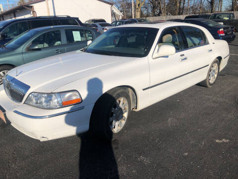 2006 Lincoln Town Car for sale at Prospect Auto Mart in Peoria IL