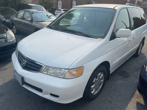 2004 Honda Odyssey for sale at American Dream Motors in Everett WA