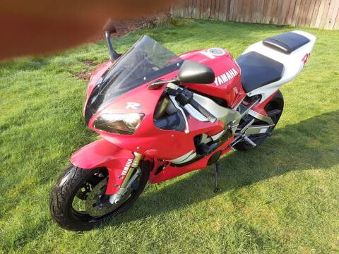 1999 Yamaha YZF1000R R1 for sale at METROPOLITAN MOTORS in Kirkland WA