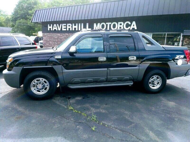 2002 Chevrolet Avalanche for sale at 125 Auto Finance in Haverhill MA