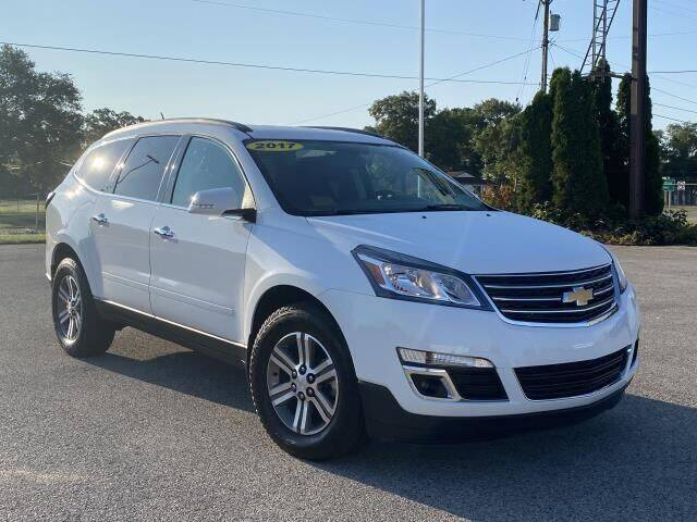 2017 Chevrolet Traverse for sale at Betten Baker Preowned Center in Twin Lake MI