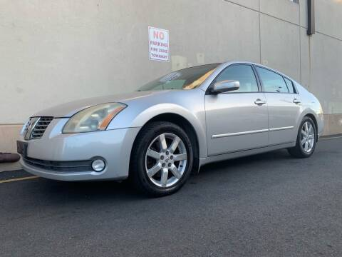 2004 Nissan Maxima for sale at International Auto Sales in Hasbrouck Heights NJ