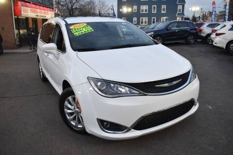 2019 Chrysler Pacifica for sale at Foreign Auto Imports in Irvington NJ