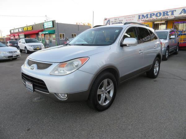 2008 Hyundai Veracruz for sale at Import Auto World in Hayward CA
