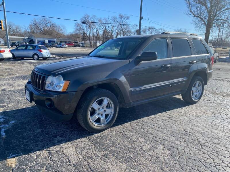 2006 Jeep Grand Cherokee for sale at Rocket Cars Auto Sales LLC in Des Moines IA
