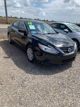 2017 Nissan Altima for sale at Drive in Leachville AR