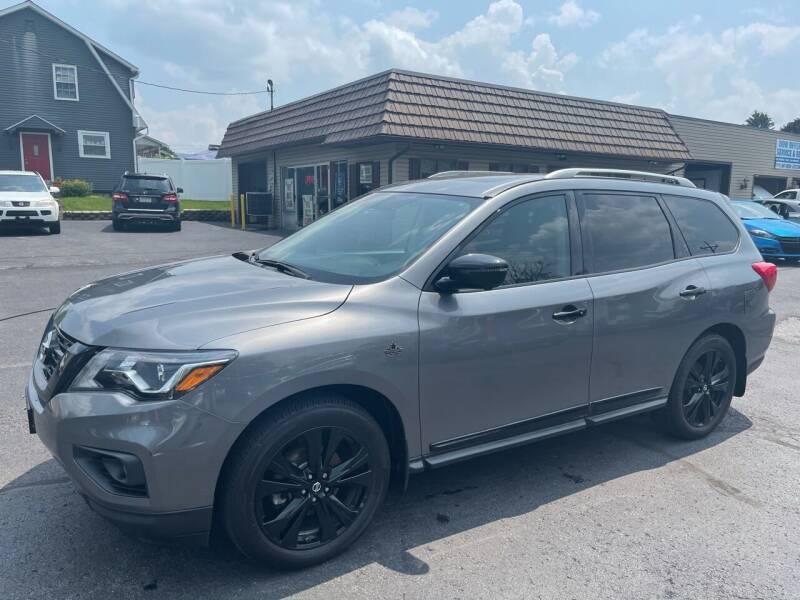 2017 Nissan Pathfinder for sale at MAGNUM MOTORS in Reedsville PA