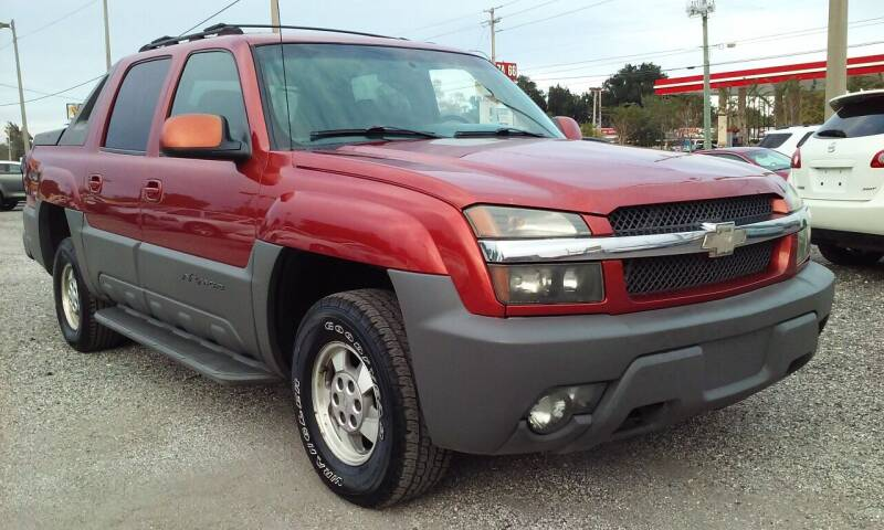2002 Chevrolet Avalanche for sale at Pinellas Auto Brokers in Saint Petersburg FL