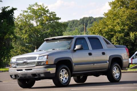 2003 Chevrolet Avalanche for sale at T CAR CARE INC in Philadelphia PA
