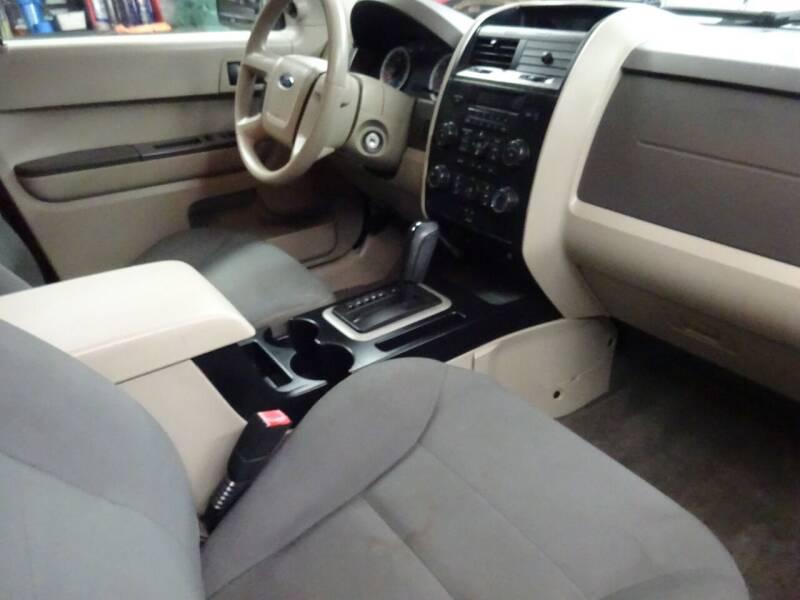 2008 Ford Escape XLS 4dr SUV (2.3L I4 4A) - West Allis WI
