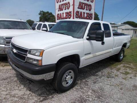 2006 Chevrolet Silverado 2500HD for sale at OTTO'S AUTO SALES in Gainesville TX