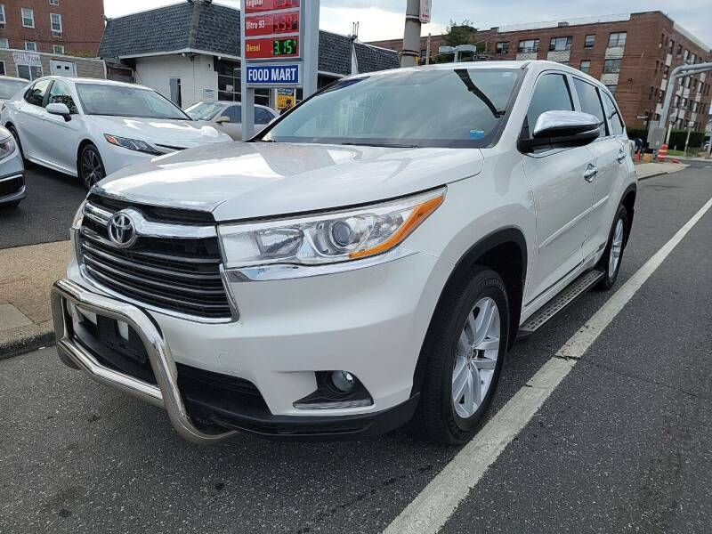 2014 Toyota Highlander for sale at OFIER AUTO SALES in Freeport NY