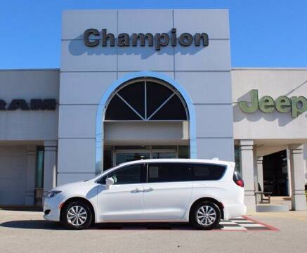 2019 Chrysler Pacifica for sale at Champion Chevrolet in Athens AL