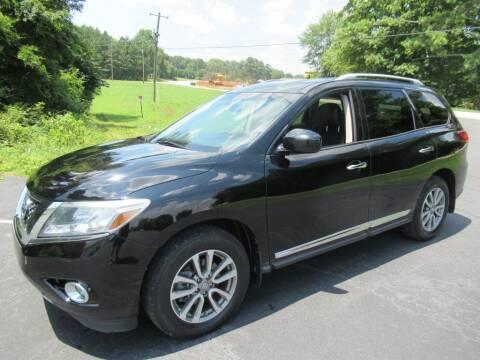 2013 Nissan Pathfinder for sale at Dallas Auto Mart in Dallas GA