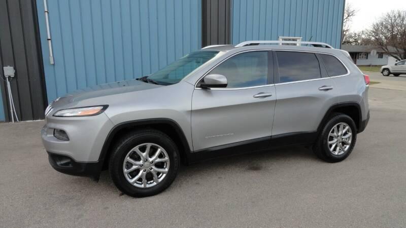 2015 Jeep Cherokee for sale at CENTER AVENUE AUTO SALES in Brodhead WI