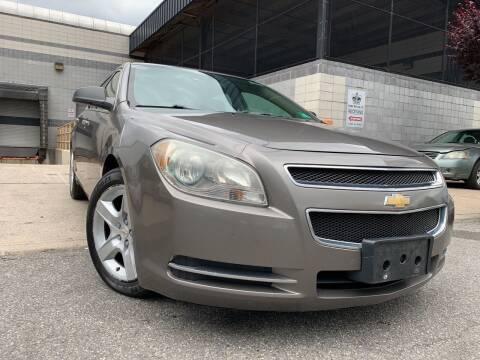 2010 Chevrolet Malibu for sale at Illinois Auto Sales in Paterson NJ