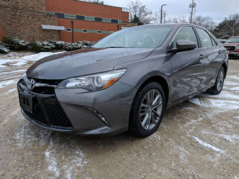 2016 Toyota Camry for sale at DILLON LAKE MOTORS LLC in Zanesville OH