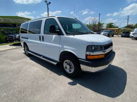 2016 Chevrolet Express Passenger for sale at RODRIGUEZ MOTORS CO. in Houston TX