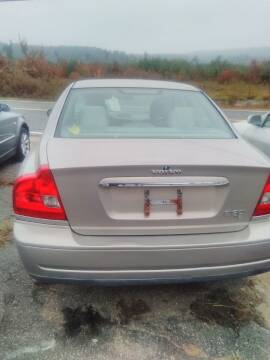 2004 Volvo S80 for sale at Classic Heaven Used Cars & Service in Brimfield MA