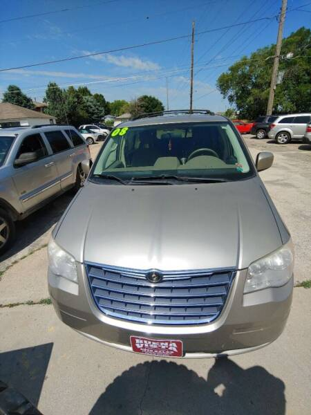2008 Chrysler Town and Country for sale in Storm Lake, IA