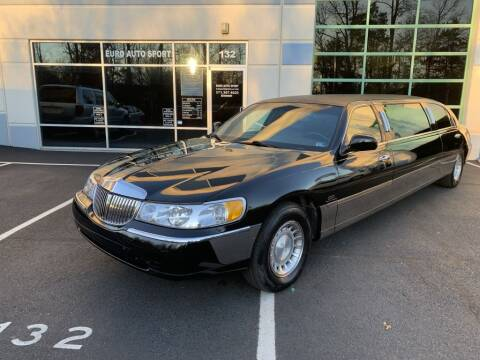 2000 Lincoln Town Car for sale at Euro Auto Sport in Chantilly VA