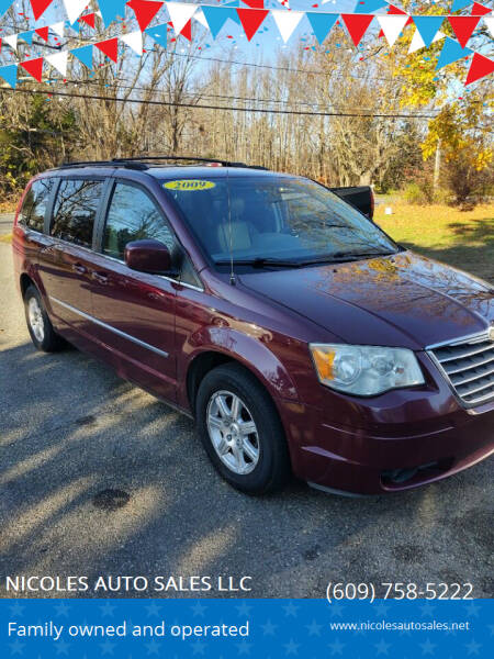 2009 Chrysler Town and Country for sale at NICOLES AUTO SALES LLC in Cream Ridge NJ