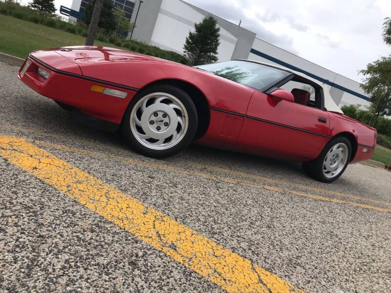 1987 Chevrolet Corvette for sale at Luxury Auto Finder in Batavia IL