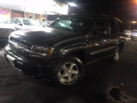 2004 Chevrolet TrailBlazer for sale at Your Car Source in Kenosha WI