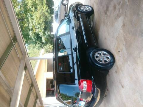 2005 Toyota Highlander for sale at Discount Auto Mart LLC in Auburn AL