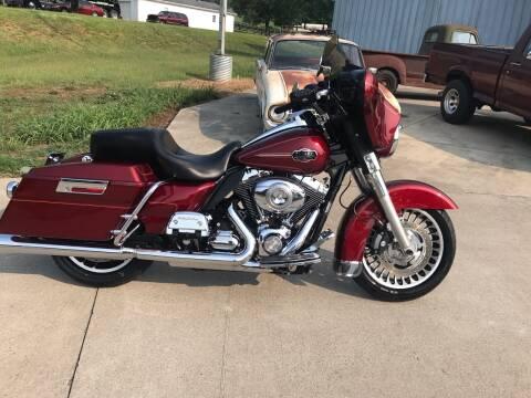 2010 Harley-Davidson FLHTCU for sale at HIGHWAY 12 MOTORSPORTS in Nashville TN