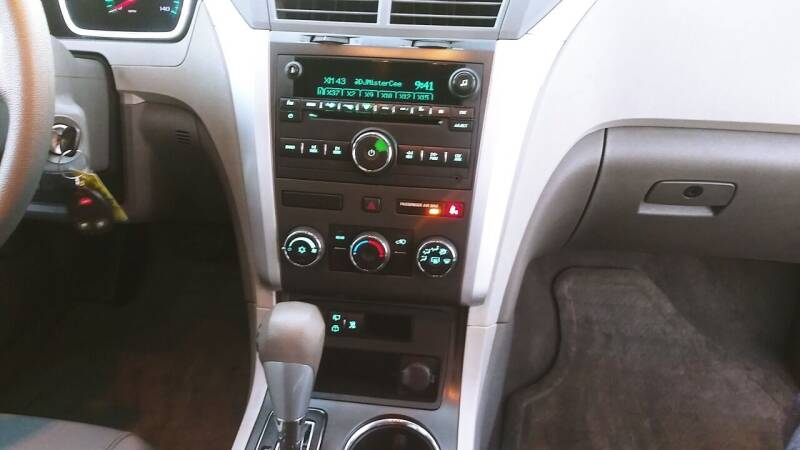 2011 Chevrolet Traverse LS 4dr SUV - Hawthorne CA