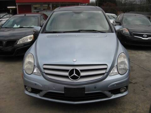 2008 Mercedes-Benz R-Class for sale at LAKE CITY AUTO SALES in Forest Park GA