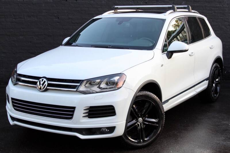 2014 Volkswagen Touareg for sale at Kings Point Auto in Great Neck NY