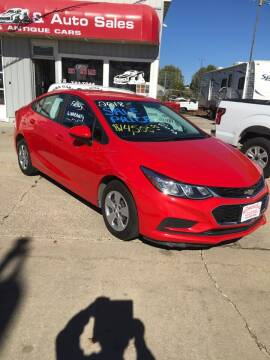 2018 Chevrolet Cruze for sale at Bob's Garage Auto Sales and Towing in Storm Lake IA