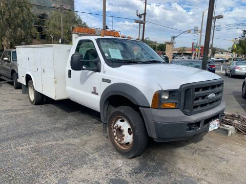 2005 Ford F-550 Super Duty for sale at In-House Auto Finance in Hawthorne CA