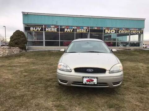 2005 Ford Taurus for sale at HUM MOTORS in Caldwell ID