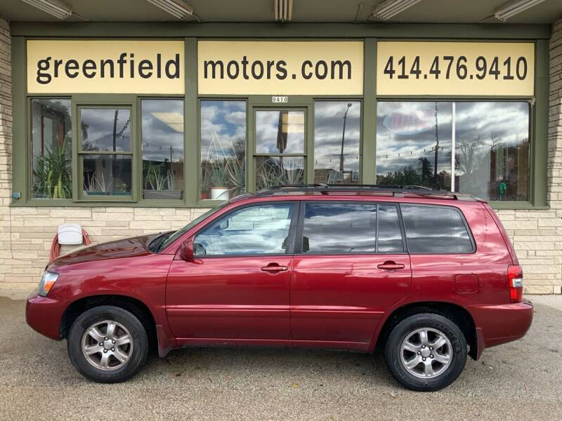2004 Toyota Highlander for sale at GREENFIELD MOTORS in Milwaukee WI