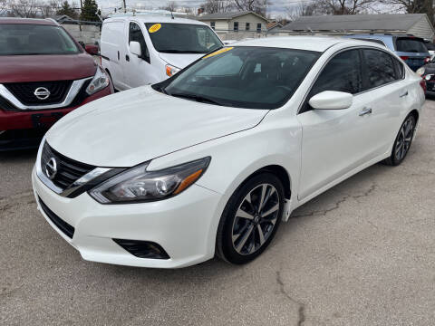 2016 Nissan Altima for sale at Unique Auto Group in Indianapolis IN